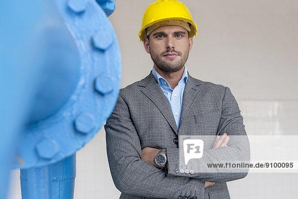 stehend  überqueren  Portrait  Industrie  Architekt  jung  Hoffnung
