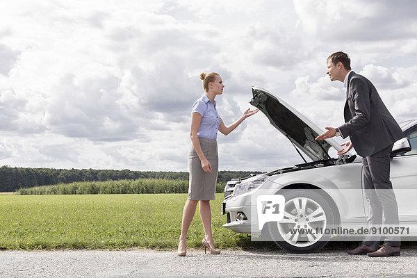 Konflikt  Ländliches Motiv  ländliche Motive  Auto  Länge  zerbrochen  Business  voll