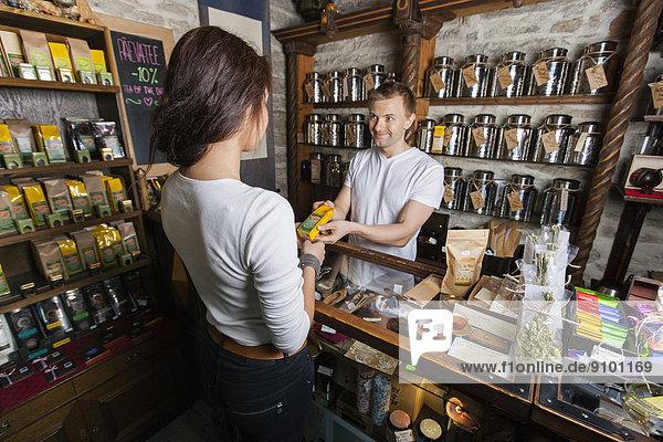 geben  Laden  Kunde  Produktion  Verkäufer  Tee