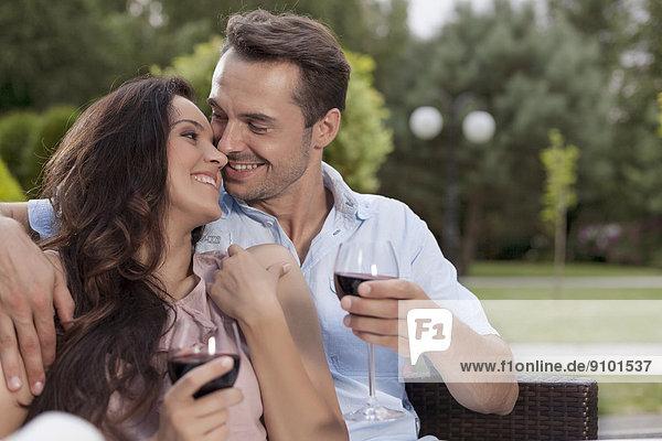 Zuneigung  Wein  rot  jung