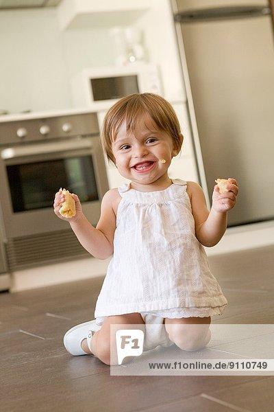 Banane  Frucht  Küche  Backofen  Ofen  Kachel  essen  essend  isst  Mikrowelle