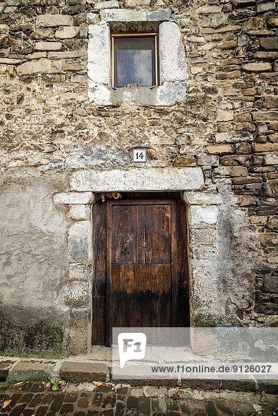 Stein Gebäude Straße Architektur Dorf schmal Spanien