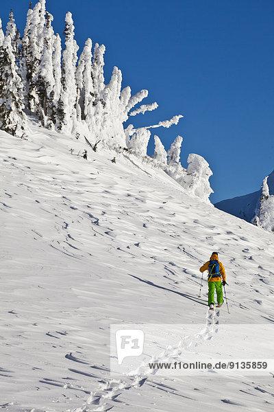Berg  Snowboardfahrer  Urlaub  unbewohnte  entlegene Gegend