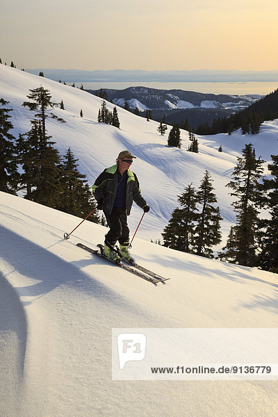Skifahrer  absteigen  unterhalb  British Columbia  Kanada  Hang  Sunshine Coast