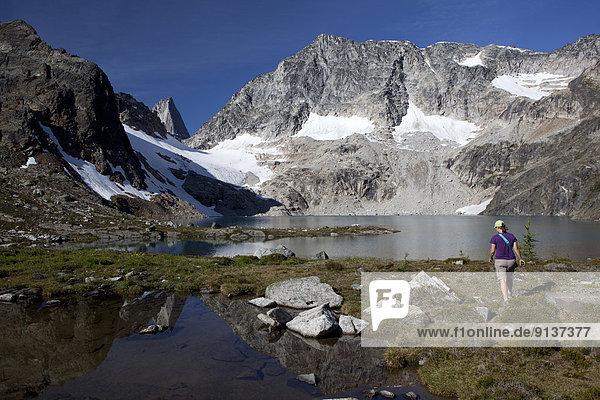 See  Spiegelung  Kirchturm  wandern  Bugaboo Provincial Park  The Bugaboos  British Columbia  Kanada  Tarn
