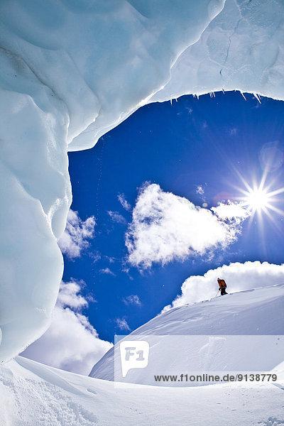 hoch oben Skifahrer Tagesausflug Lodge Landhaus Schwierigkeit unbewohnte entlegene Gegend Rocky Mountains Kanadische Rocky Mountains