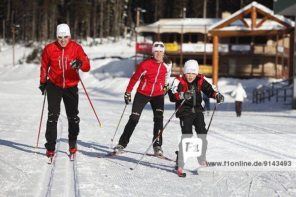 überqueren  See  Skisport  jung  Norden  British Columbia  Kanada  Kreuz