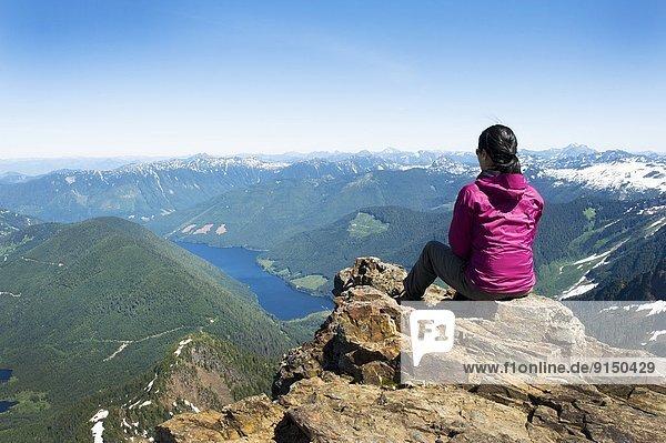 Berggipfel  Gipfel  Spitze  Spitzen  sehen  See  hoch  oben  wandern  Berg  Chilliwack