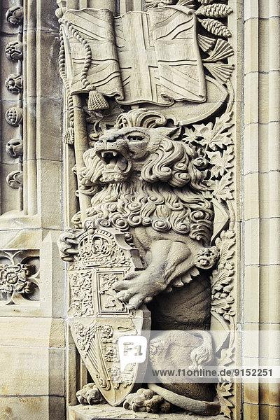 STONE SCULPTURE  UNION JACK  LION  & ROYAL SHIELD OF U.K.  PARLIAMENT OF CANADA  OTTAWA  Ontario  Canada
