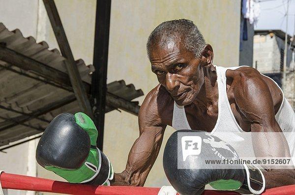 Havanna  Hauptstadt  Fitness-Studio  Mittelpunkt  Kuba