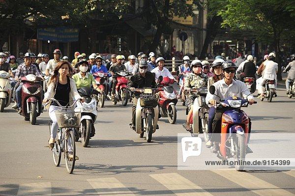 Hanoi  Hauptstadt  Straßenverkehr  Vietnam