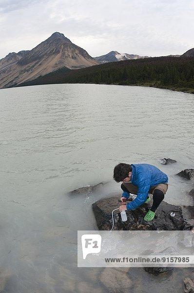 nahe  Berg  Tagesausflug  See  camping  Spruce Lake Protected Area  British Columbia  Kanada