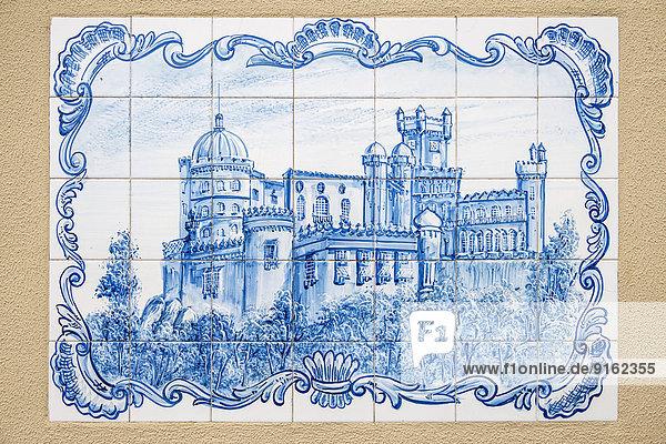 Azulejos-Kacheln mit dem Palácio Nacional da Pena Palast  Sintra  Distrikt Lissabon  Portugal Azulejos-Kacheln mit dem Palácio Nacional da Pena Palast, Sintra, Distrikt Lissabon, Portugal
