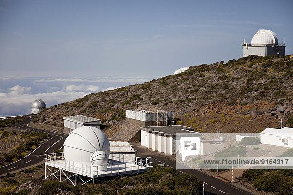Das Roque-de-los-Muchachos-Observatorium am Hang des Roque de los Muchachos  La Palma  Kanarische Inseln  Spanien