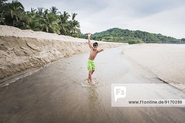 Strand Junge - Person Fluss mischen Mixed spielen Strand,Junge - Person,Fluss,mischen,Mixed,spielen