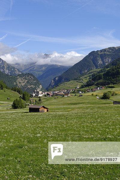 Österreich  Tirol  Nauders und Blick auf die Berge in Südtirol  Italien