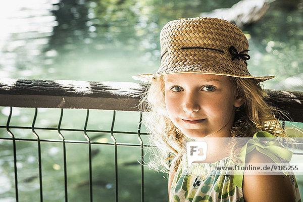 Außenaufnahme Europäer lächeln Mädchen freie Natur Außenaufnahme,Europäer,lächeln,Mädchen,freie Natur