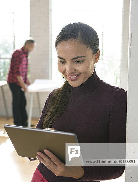 benutzen Architekt mischen Büro Tablet PC Mixed