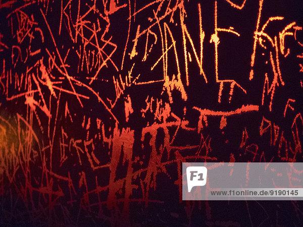 Graffiti an der Wand gezeichnet