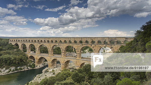 Pont du Gard  römischer Aquädukt  Vers-Pont-du-Gard  Languedoc-Roussillon  Frankreich