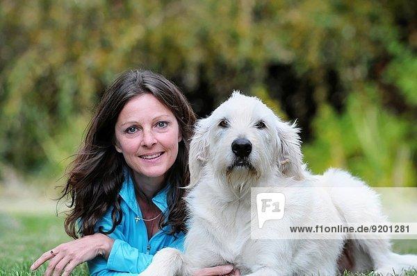 Fröhlichkeit Hund mischen Gold Retriever Mädchen 3