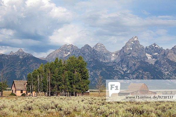 Vereinigte Staaten von Amerika USA Wohnhaus Ehrfurcht Hintergrund Scheune Wyoming