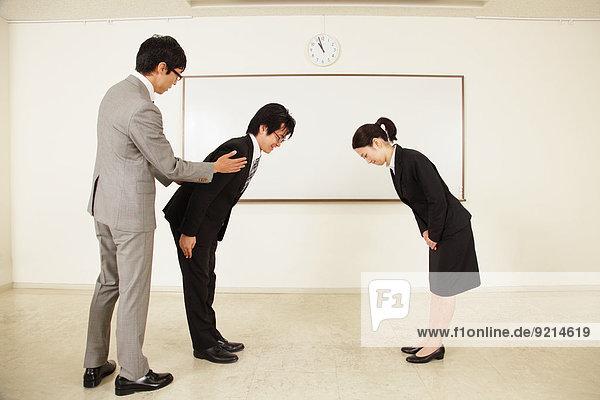 verbeugen Mensch Menschen Business japanisch