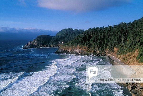 Vereinigte Staaten von Amerika USA Wohnhaus Küste Geschichte Leuchtturm Mittelpunkt Oregon
