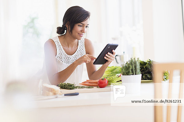 kochen Frau Hispanier Tablet PC