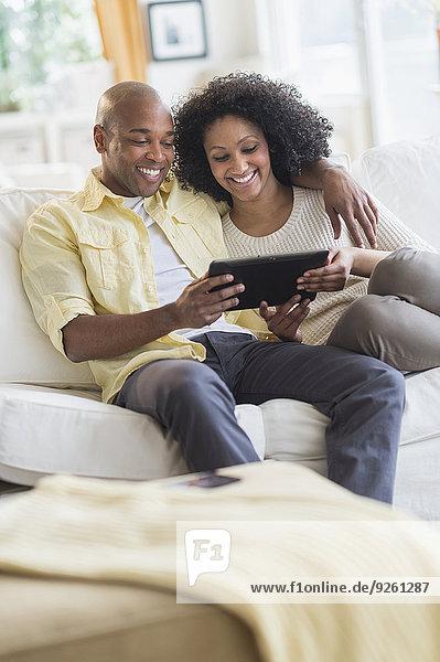 Zusammenhalt benutzen Tablet PC