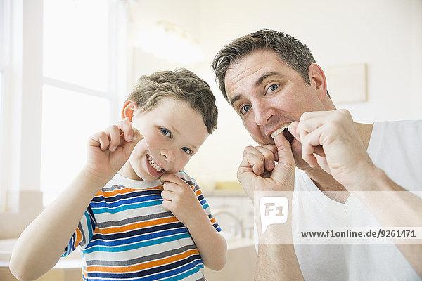 Europäer Menschlicher Vater Sohn Zahnseide
