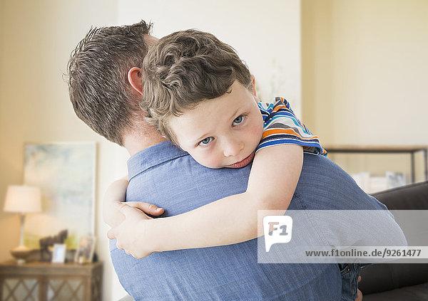 Europäer tragen Menschlicher Vater Sohn Zimmer Wohnzimmer