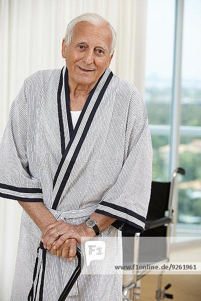 stehend Senior Senioren Spazierstock Stock Mann