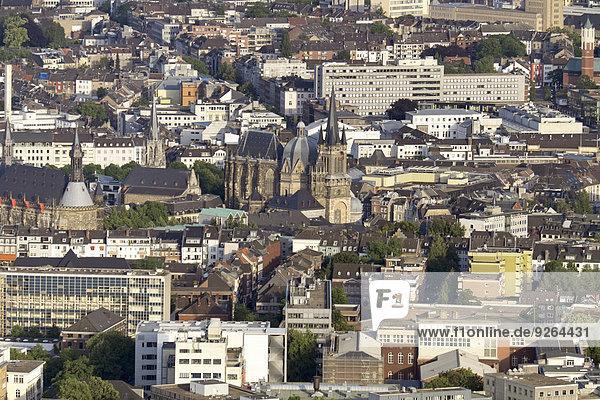 Deutschland  Aachen  Luftaufnahme der Innenstadt mit Dom