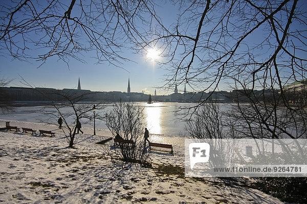 Deutschland  Hamburg  Blick auf die gefrorene Binnenalster Deutschland, Hamburg, Blick auf die gefrorene Binnenalster