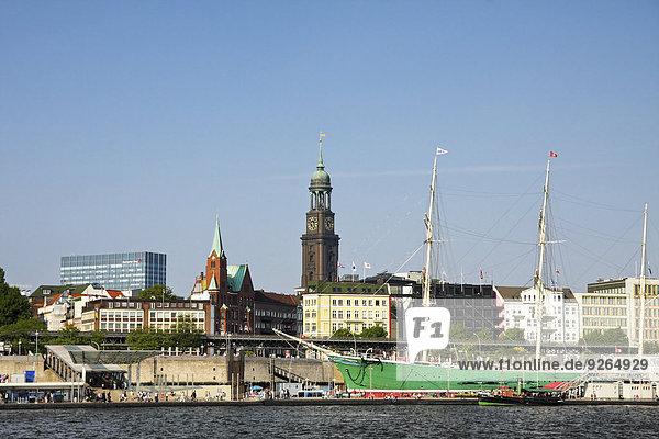 Deutschland  Hamburg  Hafen Hamburg  St. Pauli Piers