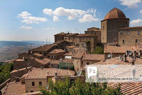 Blick auf Volterra  Toskana  Italien