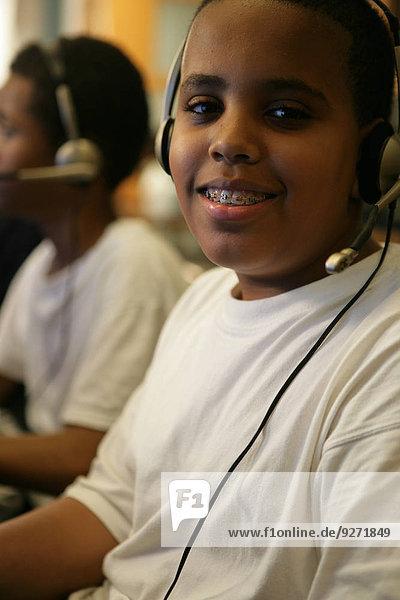 Junge - Person Kopfhörer Kleidung