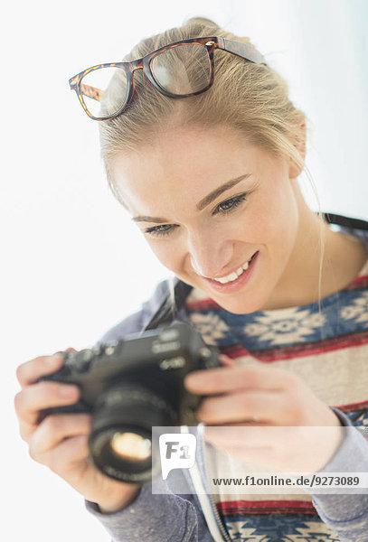 Frau Fotografie nehmen Retro