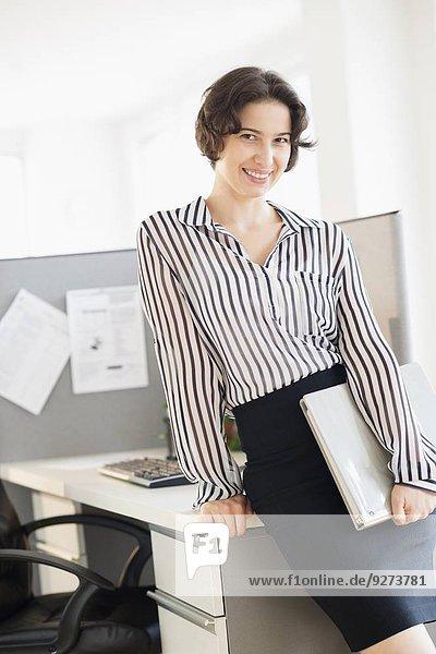Portrait Frau Büro Business