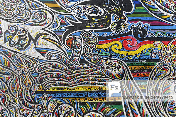 Wandgemälde  East Side Gallery  Mauergalerie  Berlin  Deutschland
