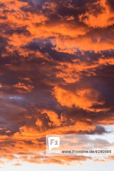 Wolkenformationen am Abendhimmel  Namibia
