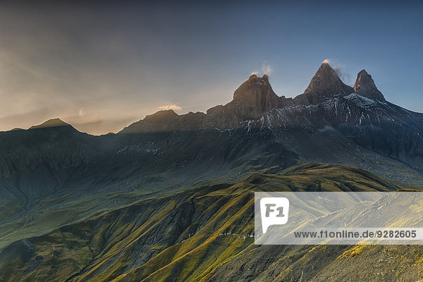Aiguilles d'Arves Berg im Morgenlicht  Pelvoux  Dauphiné Alpen  Département Savoie  Frankreich