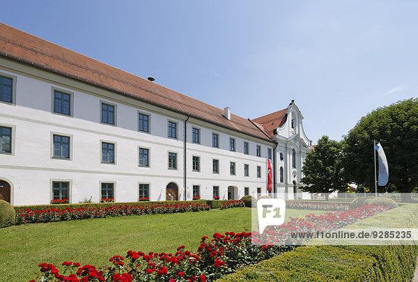 Ehemaliges Kloster  Kirche St. Marinus und Anianus  Rott am Inn  Oberbayern  Bayern  Deutschland