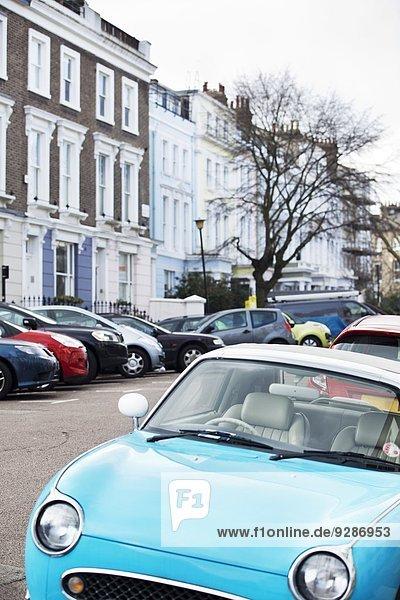 Oldtimer auf der Straße geparkt