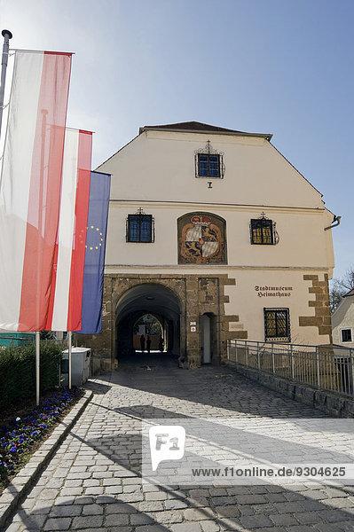 Schlosstor  früher herzogliche Burghüterwohnung  heute Heimathaus und Stadtmuseum  historische Barockstadt Schärding  Oberösterreich  Österreich