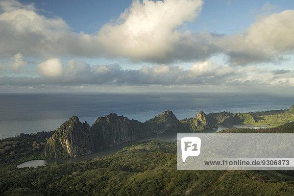 Linderalique Felsen vor Küste  Hienghène  Nordprovinz  Grande Terre  Neukaledonien