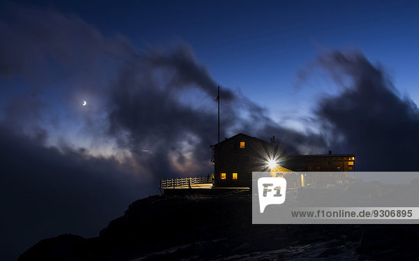 Mantova Hut by night  Monte Rosa  Alps  Valle d'Aosta  Italy