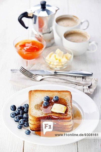 französisch Toastbrot Heidelbeere Butter Ahorn Sirup französisch,Toastbrot,Heidelbeere,Butter,Ahorn,Sirup