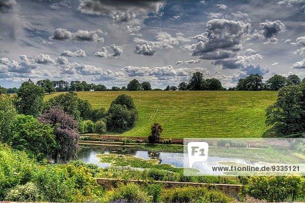 Wohnhaus Großbritannien See Ignoranz Garten Ansicht England Spiegel Warwickshire